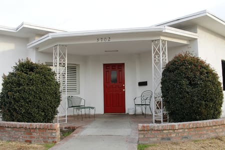 6-1 bed Male Dorm in Cimarron House - Los Angeles - Bed & Breakfast