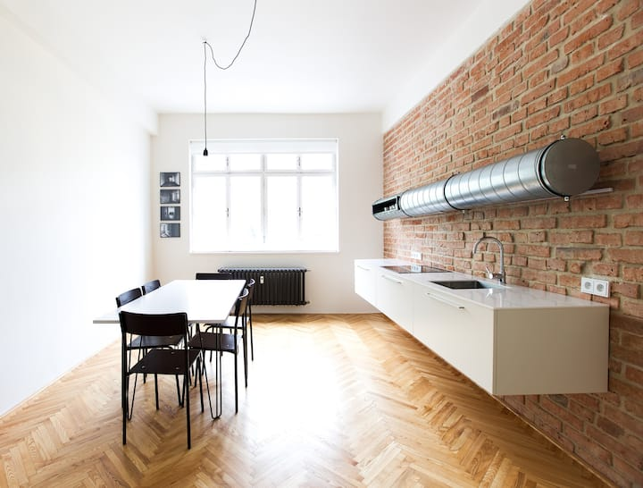 Magnificent / 100 m2 / Balcony / Old Town