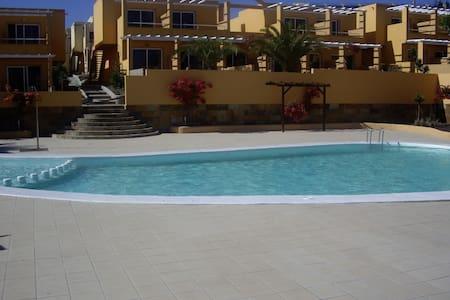 ENJOY THE SUN AND BEACH ALL YEAR - Costa Calma - Apartamento