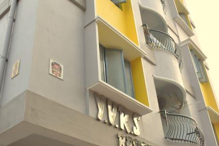 2 BHK Non AC Apartment
