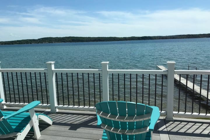Dreamy escape on the water of Crystal Lake w/ spacious deck & private dock!