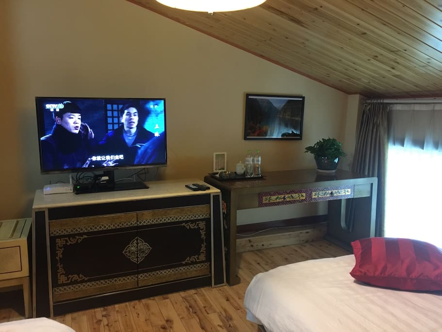 标准间独立Wi-Fi,众多电视频道可供选择。