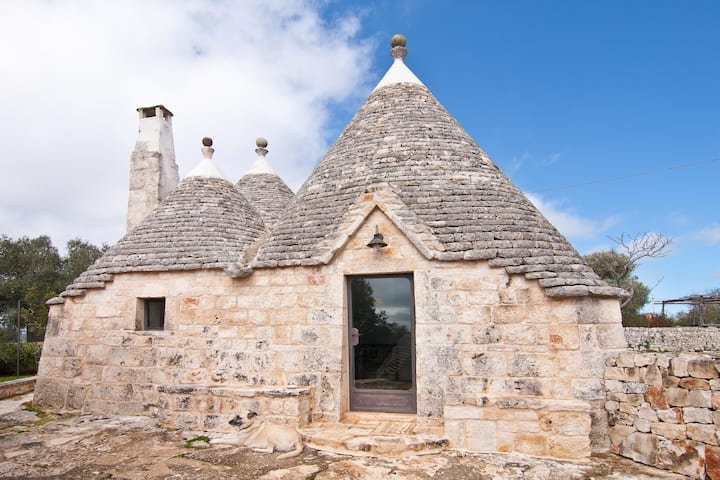 Trulli in Valle d' Itria with wonderful pool