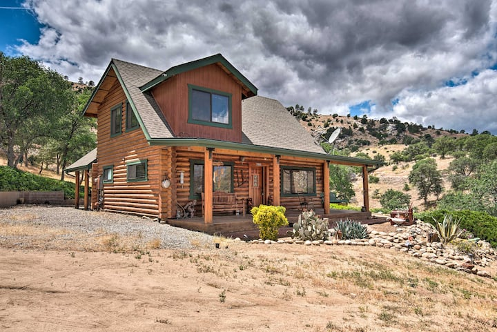 Secluded Cabin in Sequoia National Forest: 3 Acres