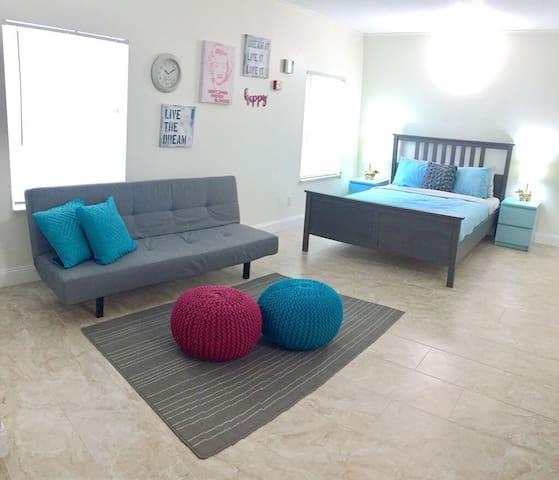 LUX 105 privet Studio apartment
