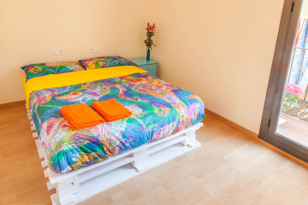 Double bed handmade from pallets.