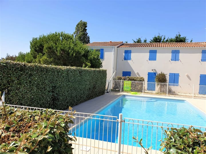 Holiday Home & Pool-Le Château d'Oléron-6/8 guests