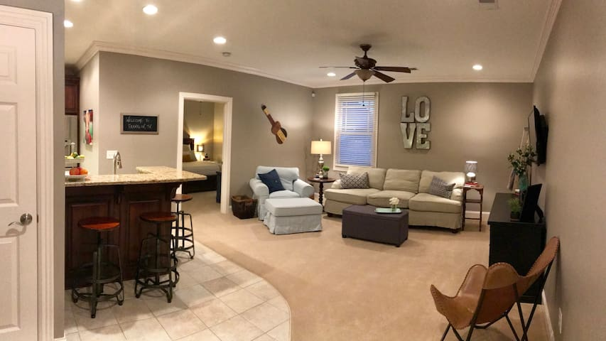 Spacious Apartment in Franklin, TN