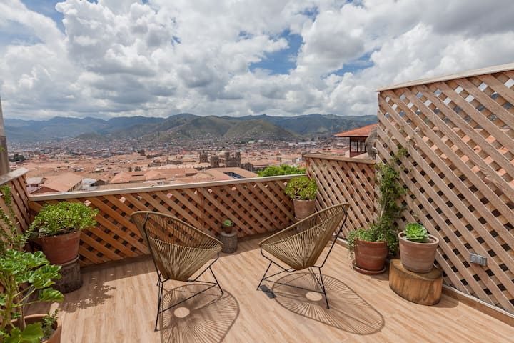 Casa Arcoiris, down town, great view, fire place!