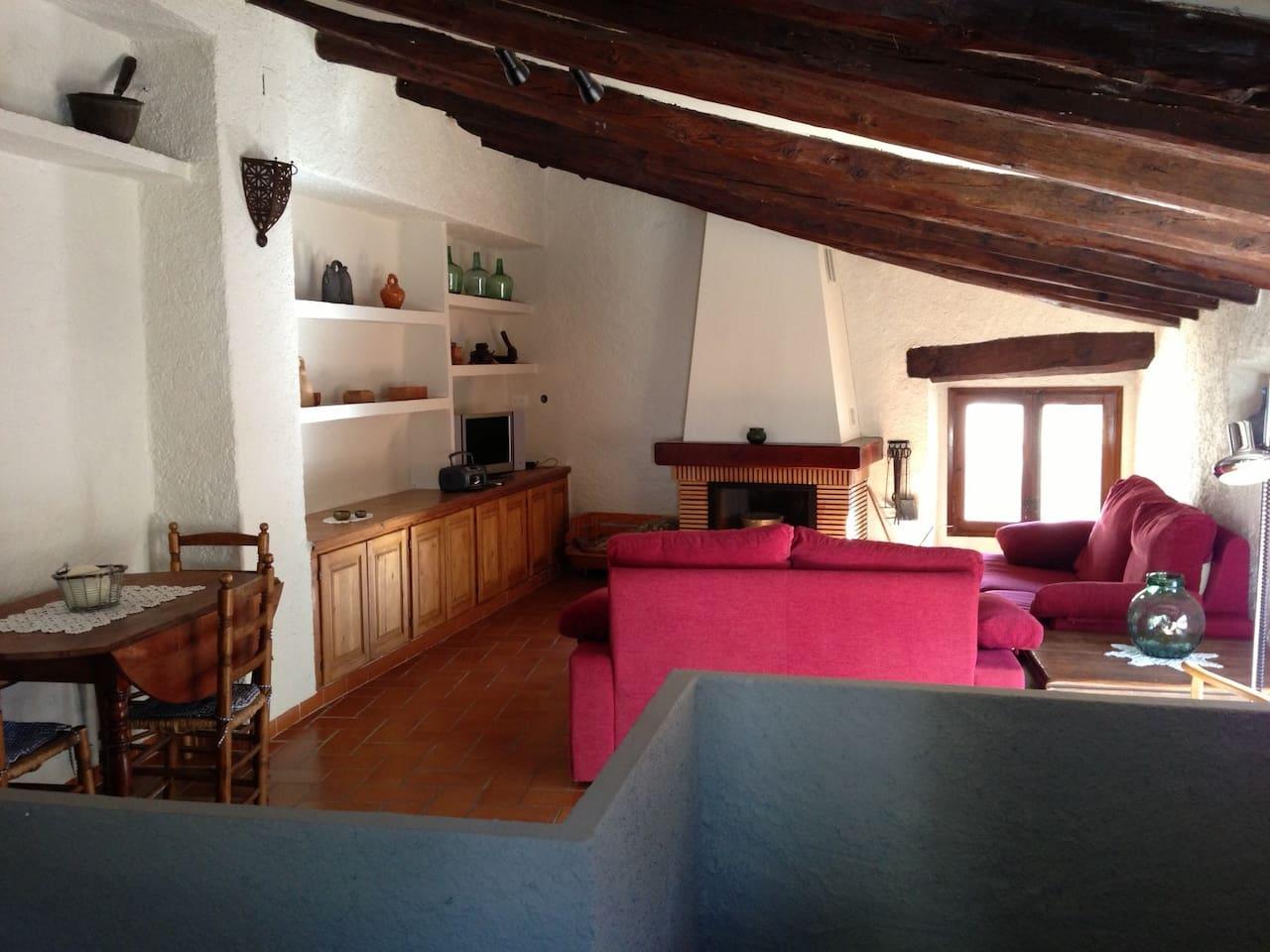 Acollidora casa de poble, a L'Argentera