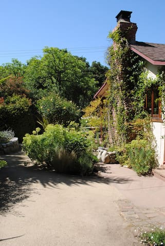 Tranquil Garden Retreat - Carmel Valley - Maison