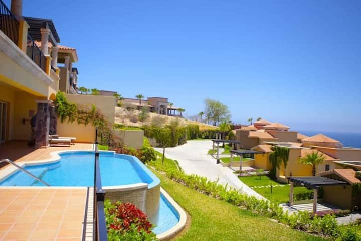 Luxury 3BR Villa in Cabo San Lucas with Ocean-View