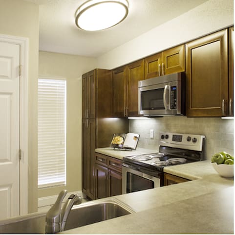 Cozy Hideaway - Charlotte - Apartment