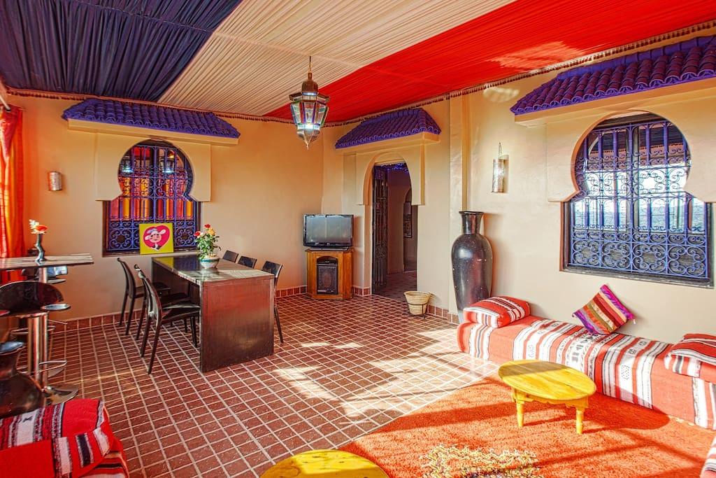 Chambre triple superieur chambres d 39 h tes louer for Chambre 13 film maroc