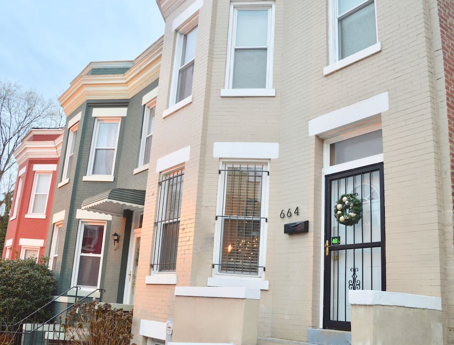 Neighborhood of traditional century-old DC rowhouses