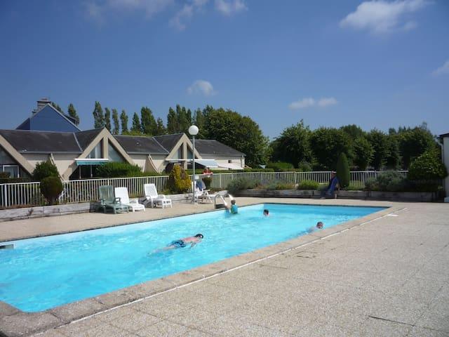 MAISON BORD DE MER PRES COUTANCES - Montmartin-sur-Mer - Hus