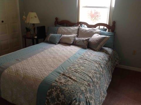 Avon Park Golf Community Queen Bedroom #2