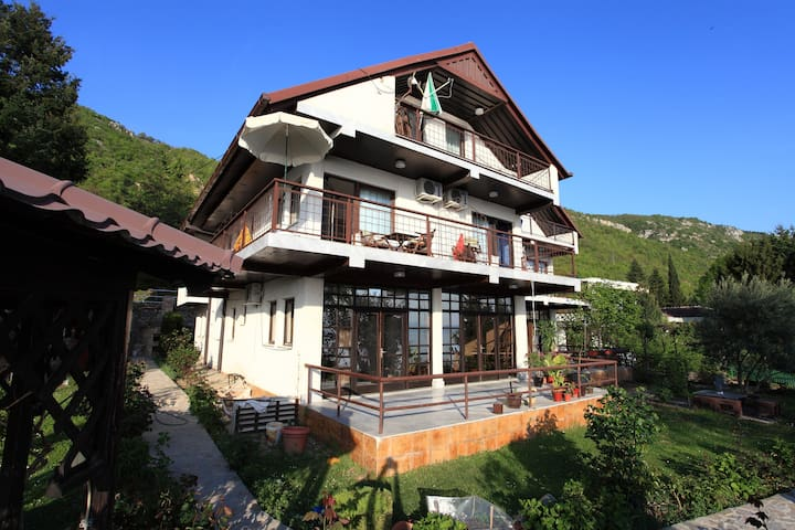 Wonderful apartment by the Lake  - Ohrid - Villa