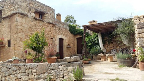 'Bendeni' Authentic Cretan Cottage