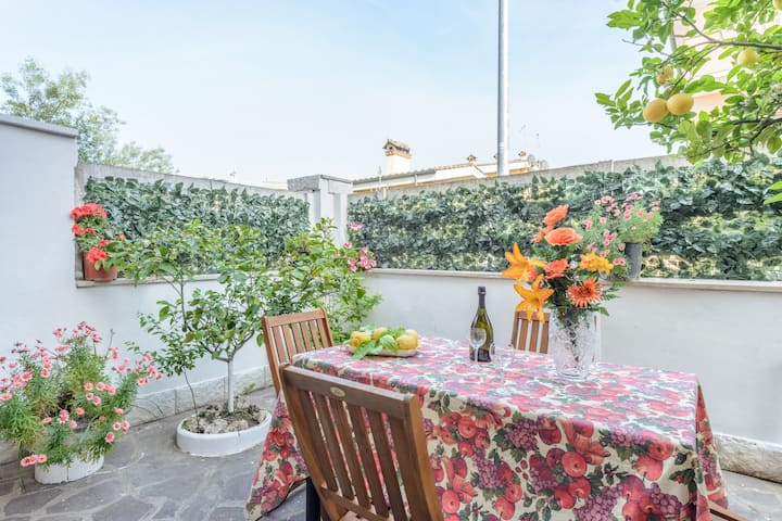 Private house with patio garden in Ostia Antica