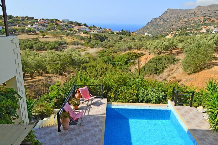 Villa private pool & seaview,3 bedrooms,wifi,BBQ - Chania