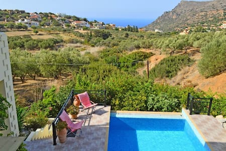 Villa with pool sea view,10%OFF FOR EARLY BOOKING - Chania - Willa