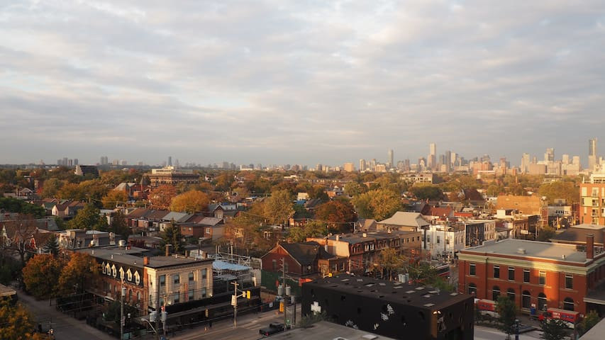 Double room with Views,  Queen West - free parking