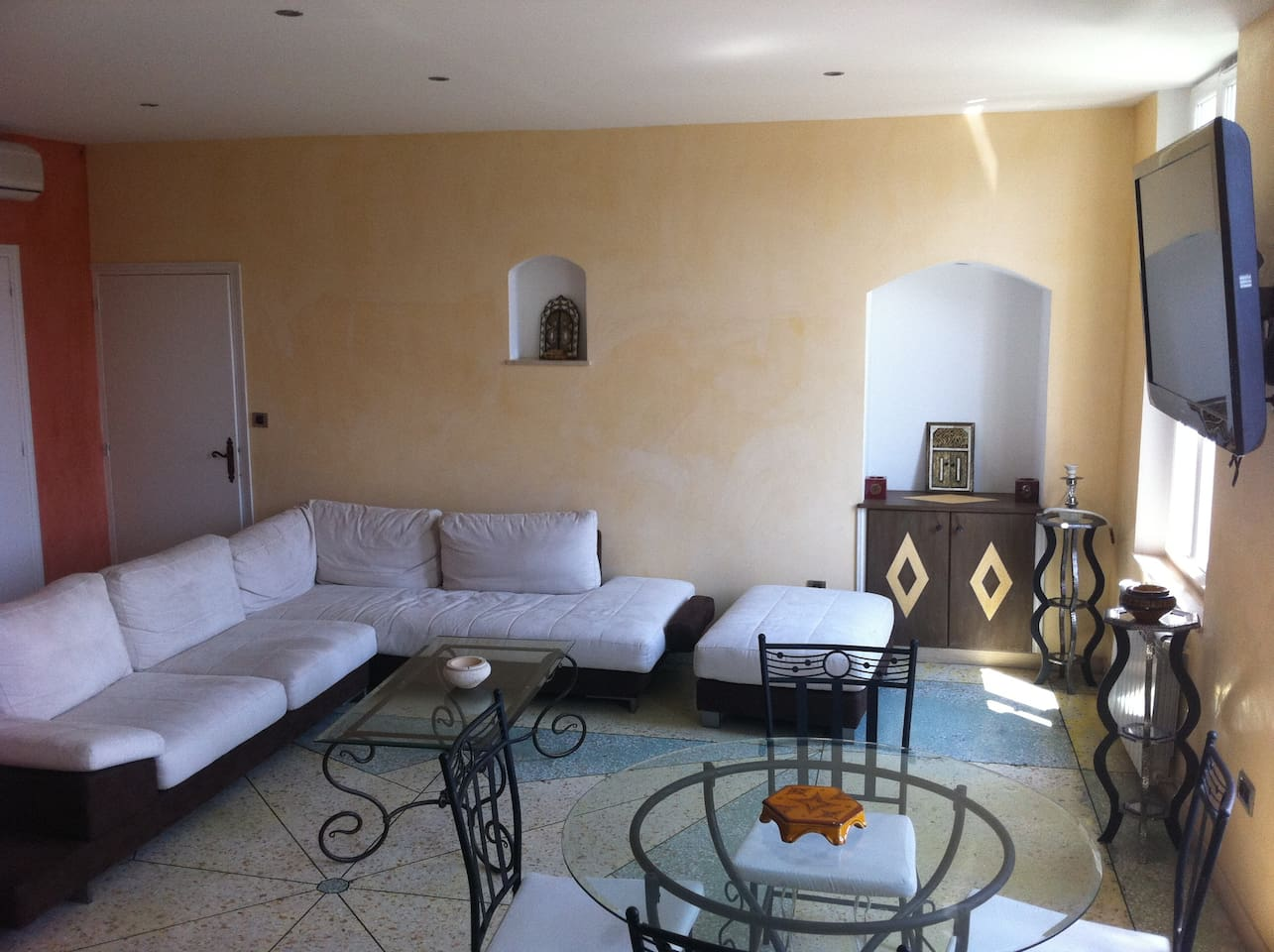 central cannes great spacious apart