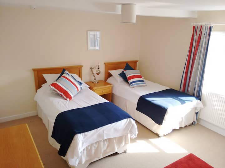 R4 - Twin Room at Itchenor Sailing Club
