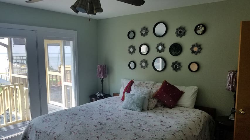 Master Bedroom with lake view access