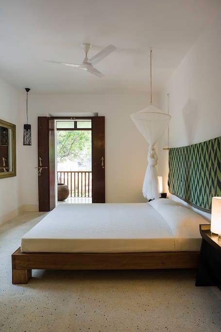 Deluxe Madhyam Room