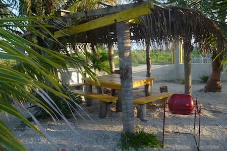 Bay Breezes apt #2, Caye Caulker  - Belize