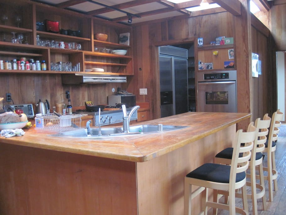 Open Kitchen and bar