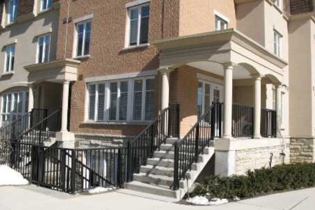 Corner Townhome with Private Entrance!