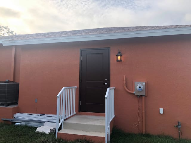 Thomasson ln 1 bed 1 bath