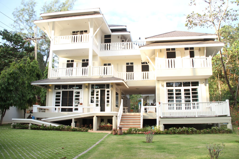 Colonial style beach villa