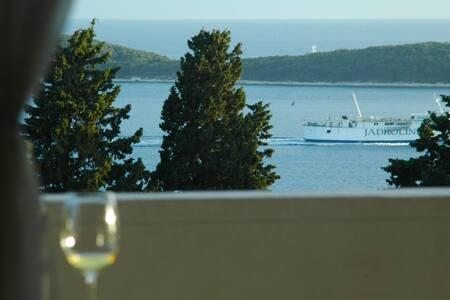 Hvar Town Perfect Sea View Room 6 - Hvar - Bed & Breakfast