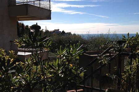 Charming seaview villa in the hills - Leivi
