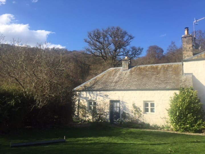 Dunkeld. Self contained farm guest cottage