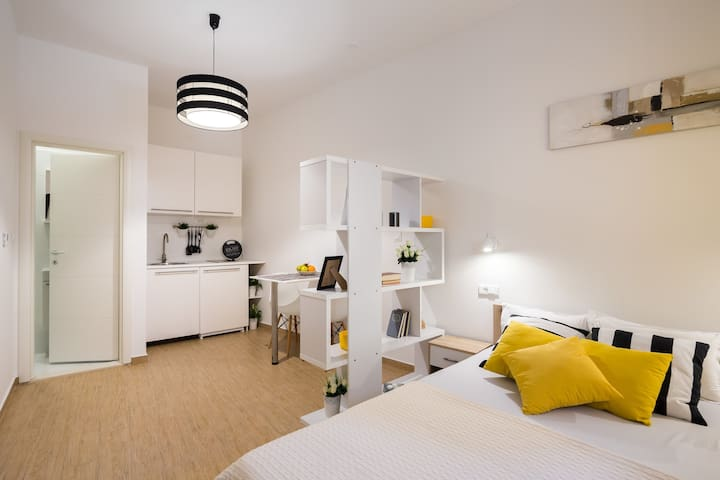 Studio apt. in Split center - Varos - Split - Casa