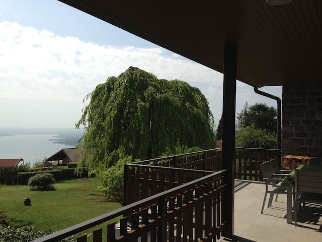 Villa on Lake Maggiore with large G