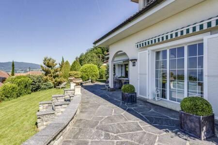 Luxury villa near the ski slopes - Blonay - 独立屋