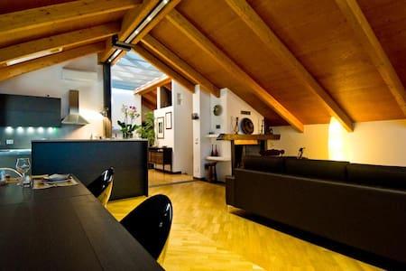 Luxury attic in a private villa  - Cusano Milanino