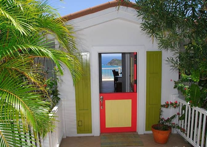Welcome to Unicorn villa, a 3 bedroom/3.5 bath home located in quiet Fish Bay.