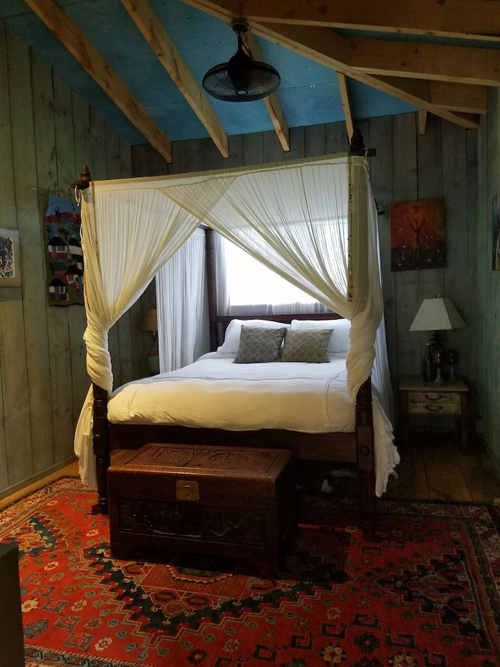 The Lotus room, in our upscale rustic Garden House