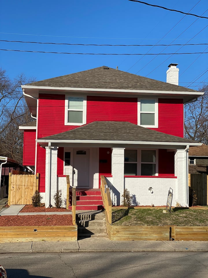 Comfy & Cozy Beautiful Home near downtown Indy