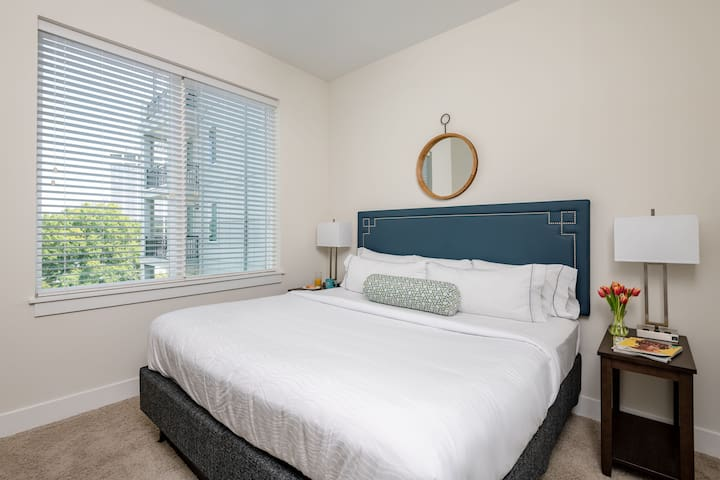 Cozy Two Bed at Presley Uptown