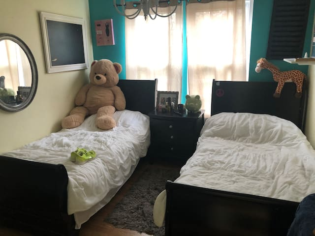2 room with 2 twin bed. Winery area. Upstate NY