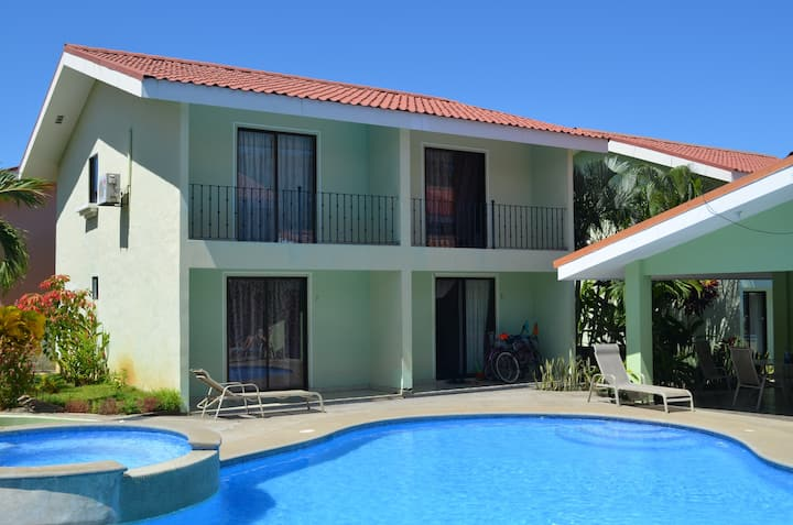 Long term condominium rental Playas del Coco