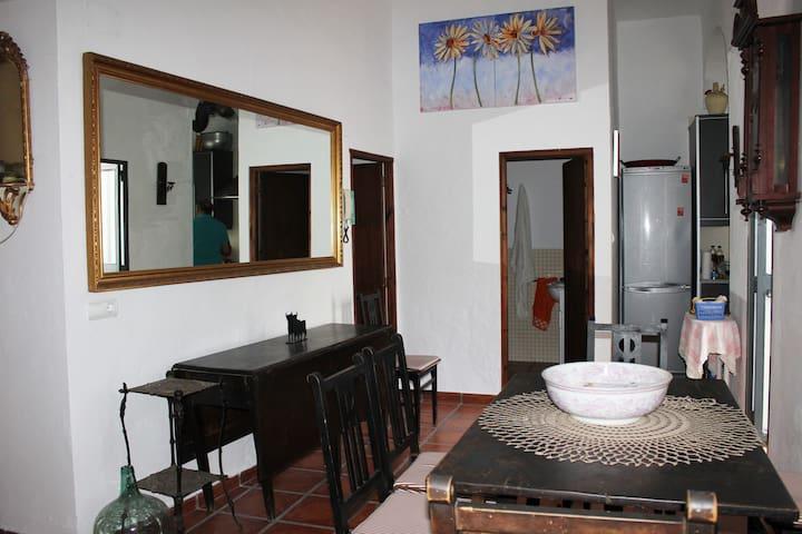 Apartamento en calle corredera - Arcos de la Frontera - Dům